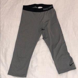 Women's Nike Pro Capri Legging